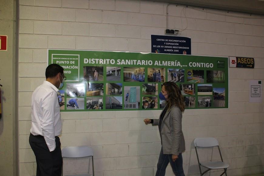 Junto a la delegada de Gobierno de la Junta de Andalucía en Almería