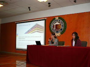 Photo: Lucia Maillo and Mabel Lopez at the University of Belgrano: presenting the color day