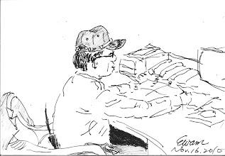 Photo: 阿財科員2010.11.16鋼筆 畫完這張,拿給他本人看,他大表讚賞: 水啦!有像!有像!還好我戴帽子,不然畫出來就是禿頭!