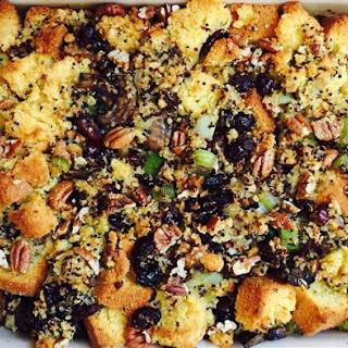 Quinoa, Cornbread and Cranberry Stuffing