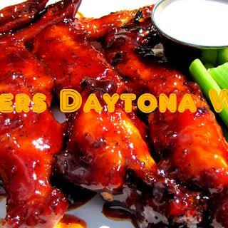 Hooters Daytona Beach Style Wings (Copycat Recipe).