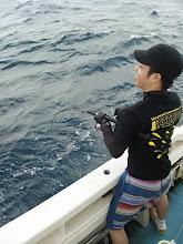 """Photo: ファーストヒットは、船ジギング初挑戦の""""ヤマグチさん""""!"""