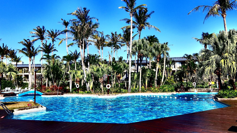 來墾丁就是要游泳,來凱薩更要游泳,就算是十二月到二月的這種時間,墾丁還是豔陽高照到可以游泳...