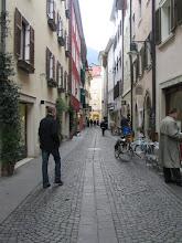 Photo: Bozen, Downtown: Auf der Suche nach dem ultimativen-UMTS-Device. Wer hätte jemals ahnen können, dass es vergleichsweise ein Kinderspiel ist, eine italienische Steuernummer zu bekommen!