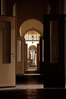Non aprite... QUELLE porte!!! di Francesca Malavasi