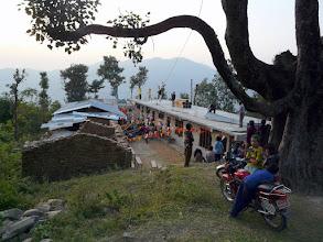 Photo: neben der alten Schule entsteht mit Hilfe der Nepalkids der Neubau der Schule.