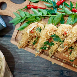 Crispy Cereal Butter Prawns (Mai Pian Xia 麦片虾) Recipe