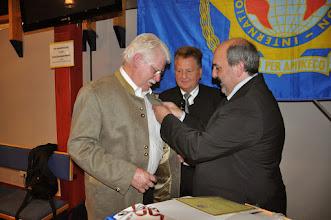 Photo: Georg Lex erhält die silberne Ehrennadel