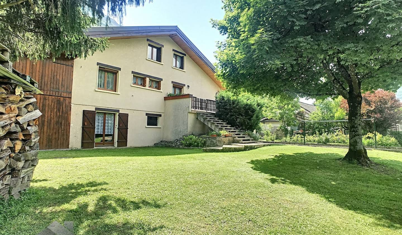 Maison avec terrasse Les Chavannes-en-Maurienne