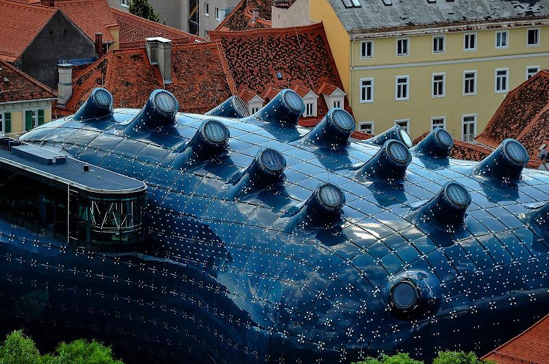 Kunsthaus Graz visto dalla cima dello Schloßberg di kaos