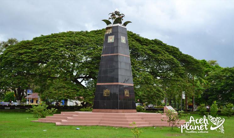 Tugu Proklamasi Indonesia di Taman Sari Banda Aceh