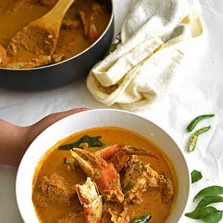 Yellow Crab Curry / Kerala Boatman's Crab Curry.