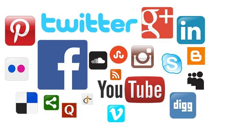 Mạng xã hội giúp con người có thể trao đổi thông tin, liên lạc với nhau,...