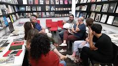 Gabriel Martínez Lopéz, durante una reunión con fotógrafos (Foto: Paco Martínez).