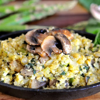 "Cauliflower ""Rice"" Risotto with Asparagus and Mushroom"
