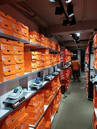 Nike Factory Outlet photo 5