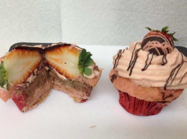 Chocolate Covered Strawberry Cupcakes Recipe