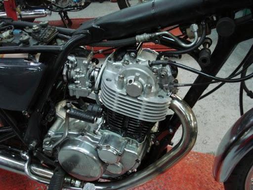 Moteur SR 500 préparer par Machines et Moteurs spécialiste des Yamaha classic
