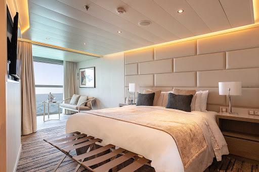 Bedroom-Deluxe-Veranda-Suite-Silver-Origin.jpg - The bedroom of the Deluxe Veranda Suite aboard Silver Origin.