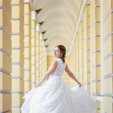 Wedding photographer Yuriy Kuzakov (Omchak80). Photo of 01.10.2014