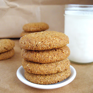 Quinoa Molasses Crinkles