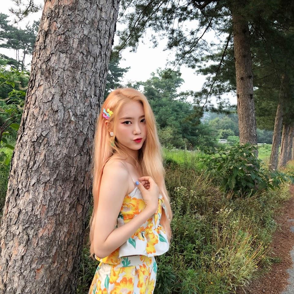jiho blonde 39