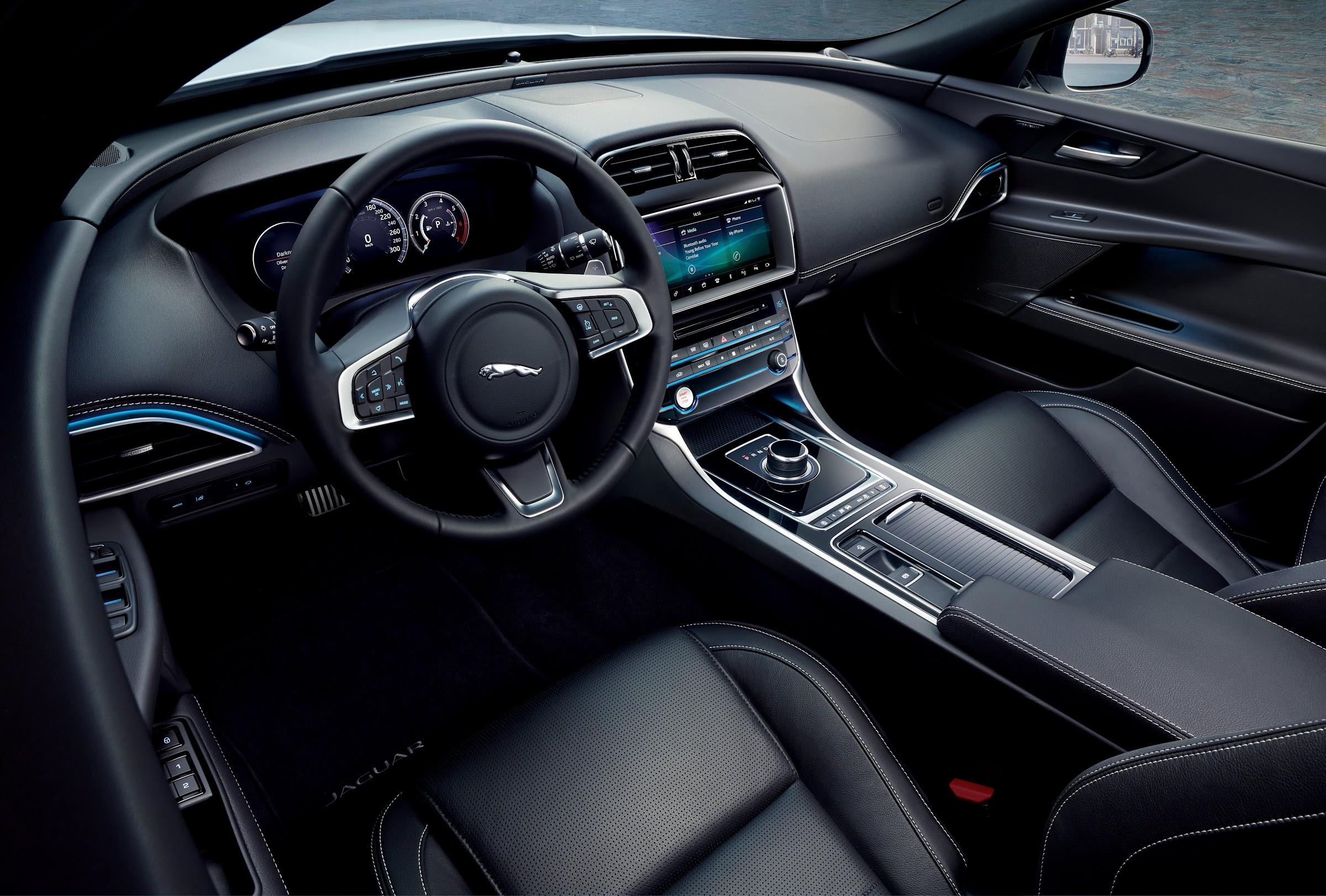 KXYBHaKSWMV8wXo Azu1pp1eSoPmZOwmyVzW2LeNQqCOqhMCTyuJLFaKGj0jStbjTdxehZNoG4HlsdMkXG8sgroESUaoS1Y7850uLZ97GzvarlTBfNoFKYyoTD7TX73oturDRxr8eA=w2400 - Nuevo acabado Landmark para el Jaguar XE