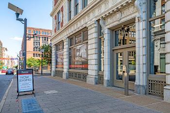 Go to Monogram on Washington Apartments website
