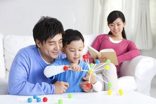 Trong các nguyên tắc giáo dục trẻ, nguyên tắc nhất quán trong quan điểm phải được đặt lên hàng đầu.