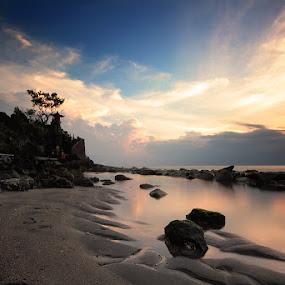 Batu Bolong by Rizal Amir - Landscapes Sunsets & Sunrises ( landscape beach sunset lombok batu bolong )