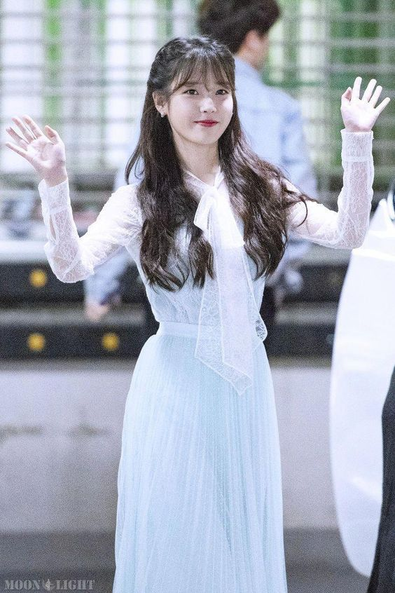 iu gown 39