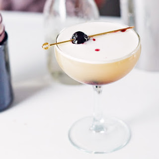 How To Make a Whiskey Sour.