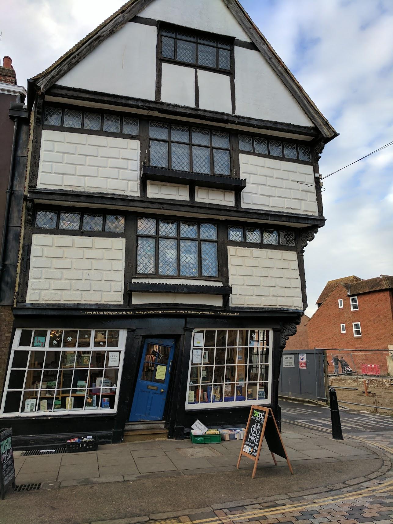 Leaning bookshop