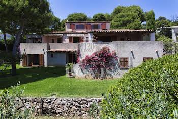Villa 8 pièces 303,16 m2