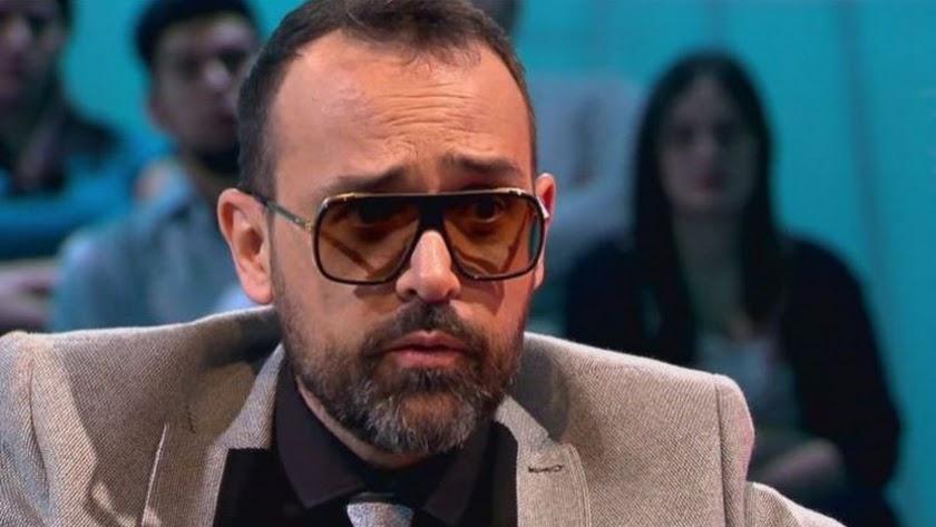18 heridos al caer una grada durante una entrevista de Risto Mejide con Iniesta