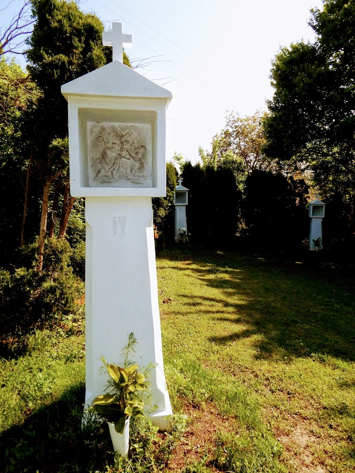 Zánka - keresztút a temetőben