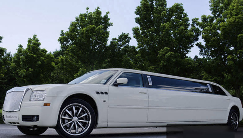 Chrysler Limo Hire Manchester