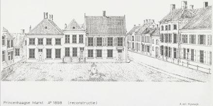Photo: 1898  Markt Princenhage (reconstructie) Vóór plaatsing van gedenknaald en daarna verplaatsing van deze pomp.