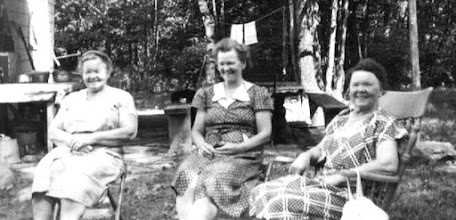 Photo: Marie (Tante Mia) Halgren, Aagot Olsen and Hildur (Olsen) Osmundsen at Tom Olsen's Farm near Rowlands PA