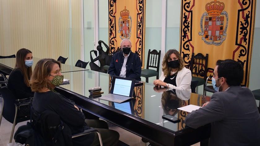 Un momento de la reunión en que se trató el plan de accesibilidad.