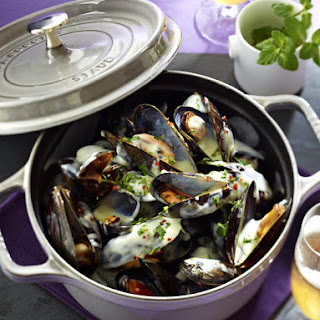 Mussels in Cream, Beer and Chili Sauce.