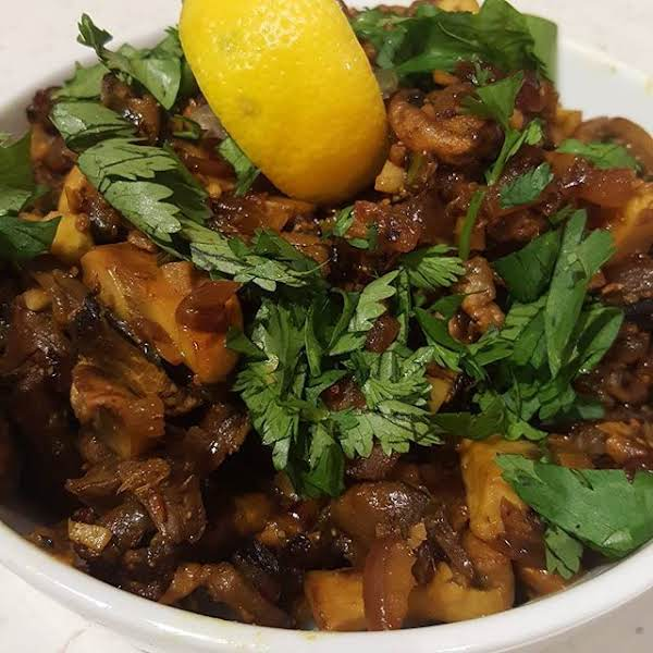 Spicy Mushrooms With Ginger And Chilies Recipe