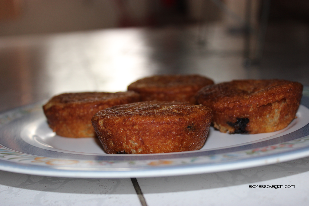 Eggless banana cupcakes