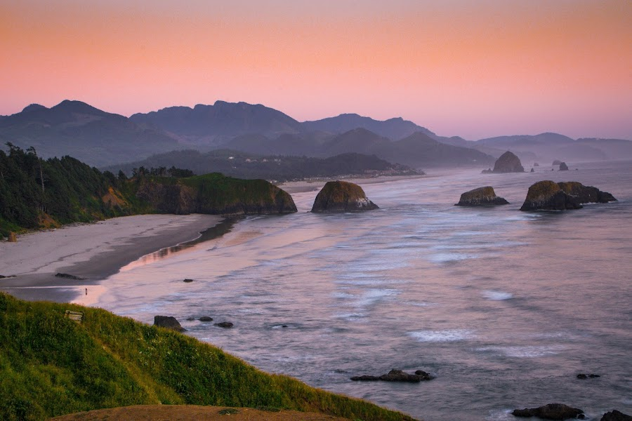 Ecola Point Sunset by Brent Huntley - Landscapes Waterscapes ( oregon, brentsfavoritephotos.blogspot.com, seastack, state, ecola, pacific, northwest, ocean, beach, travel, seaside, seascape, scenic, landscape, tamron, photography, coast, cannon, sunset, nikon )