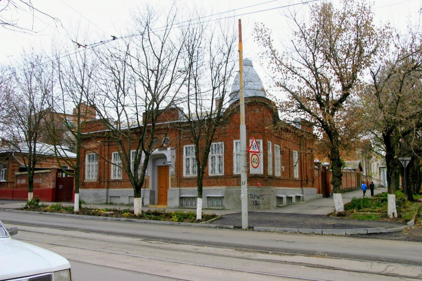 https://sites.google.com/site/istoriceskijtaganrog/frunze-ulica/dom-51