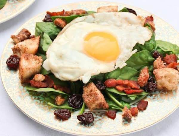 Spinach Breakfast Salad & Cinnamon Toast Croutons Recipe