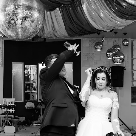 Fotógrafo de bodas Galina Zapartova (jaly). Foto del 09.11.2017
