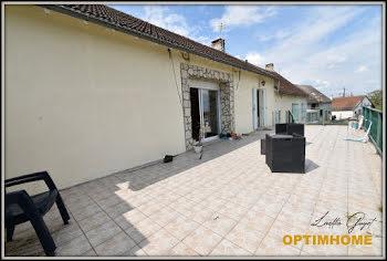maison à Couleuvre (03)