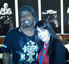 Photo: MC Hammer and Julie Spira at the 140 Characters Conference