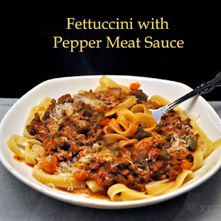 Fettuccine with Pepper, Meat Sauce